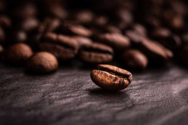 濃い色のコーヒー豆