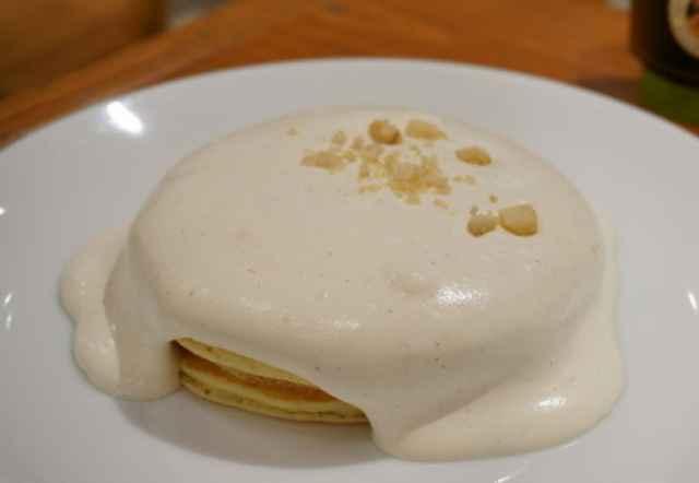 マカダミアナッツクリームパンケーキ