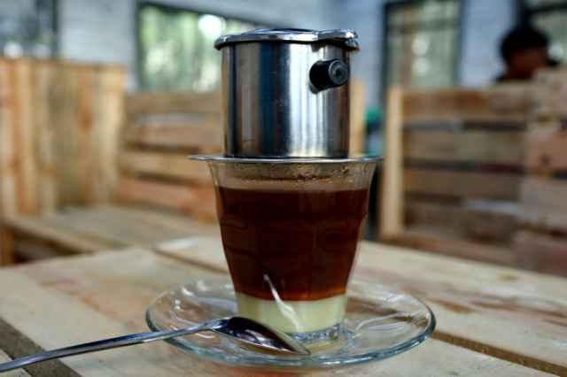 抽出されたベトナムコーヒー