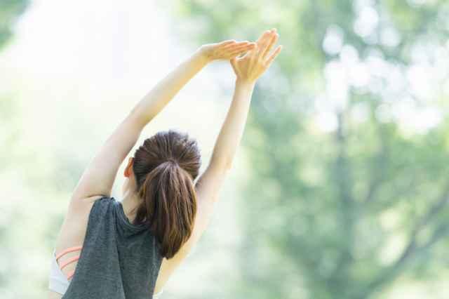 ダイエットのために運動をする人