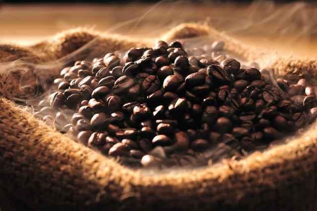 高温のコーヒー豆