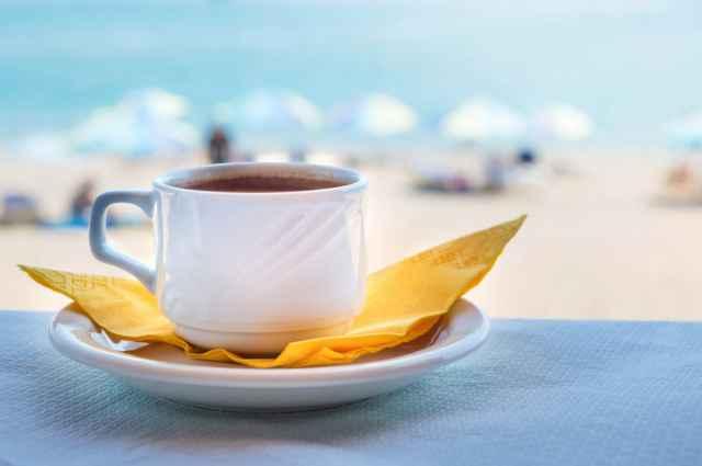 ビーチとコーヒー