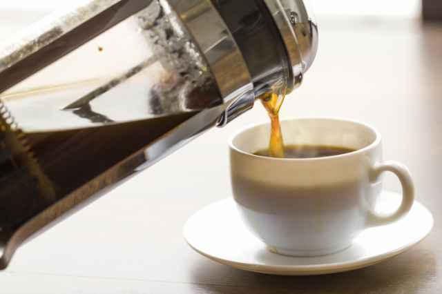 一杯のコーヒーを入れる